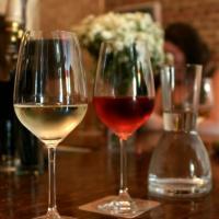 Vin alb sau rosu (colectie) Sticle de vin vechi 50-60 de ani  oferta Diverse
